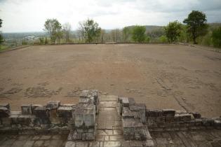 Place devant le petit temple
