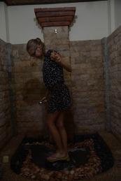 Lessive dans la douche de l'hôtel suite à un soucis de laverie