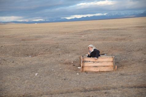 Inès au toilette en Mongolie